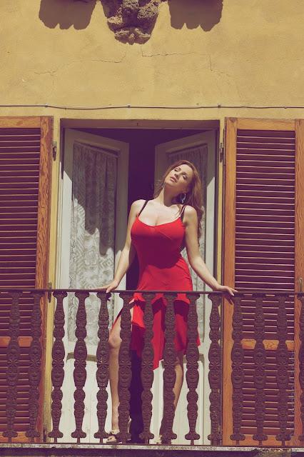 jordan-carver-balcony-hd-photoshoot-hq-picture-3