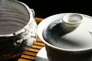 gaiwan en porcelaine fine peint à la main