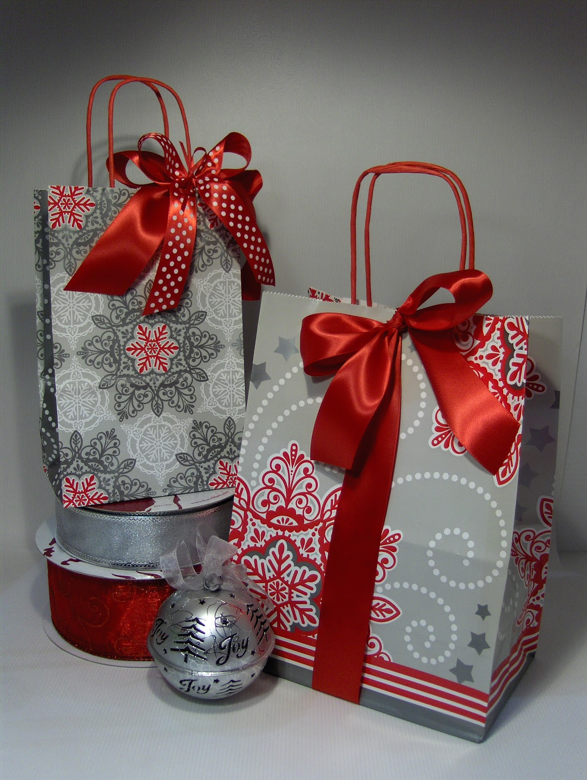 The Essential Packaging Store Blog: Gift Wrapping Ideas!