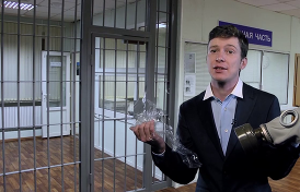 На госканалах — День Полиции, а в России — опять пытки