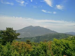 宝篋山・山頂(見えるのは筑波山)