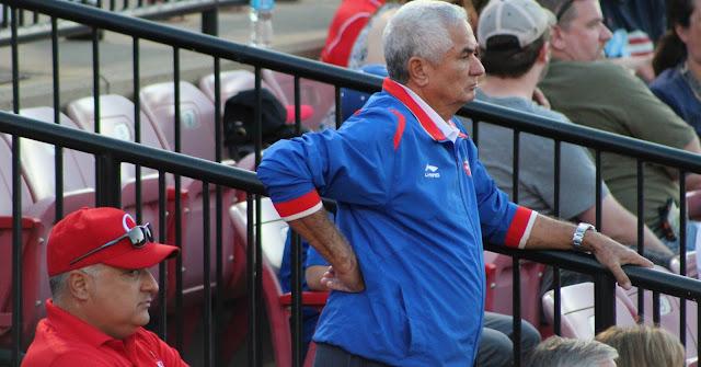 Un Clásico Mundial que se avecina, un país que ha permitido que abandonen a sus hijos, otra gran injusticia que hace que un equipo Cuba sea cualquier cosa menos un equipo Cuba.