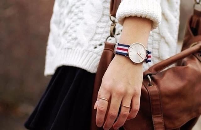 Đồng hồ Daniel Wellington Classic với kích thước 36mm là dạng mặt to để tạo nên sự nổi bật và phong cách riêng cho phái nữ