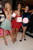 Lais-Ribeiro-Victorias-Secret-Fashion-Show-Celebration--09+sexycelebs.in.jpg