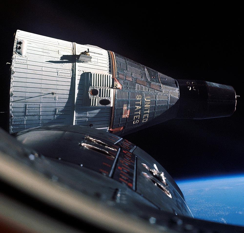 Scale Model News: GEMINI 1:24 SCALE SPACECRAFT RETURNS ...