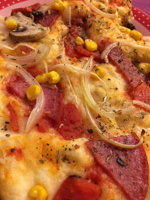 pizza za cienkim ciescie