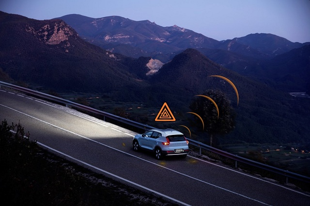 Volvo Cars Warn Each Other of Slippery Roads