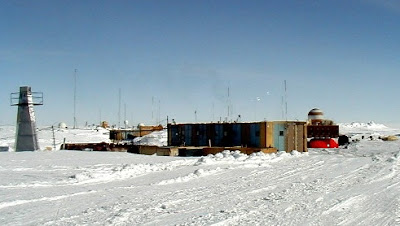 coldest place in world Vostok  Station Antartica