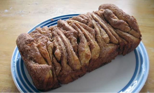 Cinnamon Sugar Pull Apart Bread by freshfromthe.com