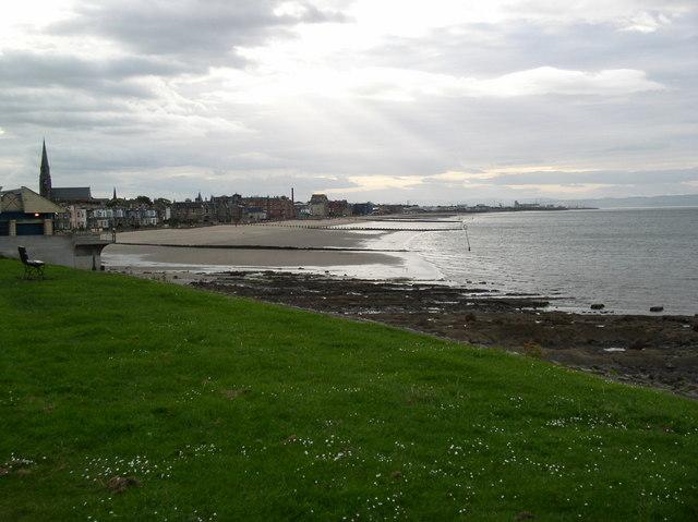 Что посмотреть в Эдинбурге бесплатно: Пляж Портобелло
