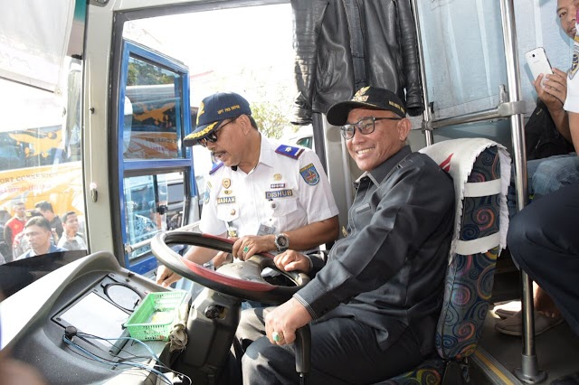 Ban Bus Dalam usia Warning Dalam Ram Check Oleh Walikota Depok