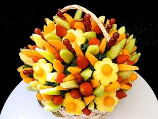 Букеты из фруктов, ягод и овощей и прочие фруктово-овощные фантазии