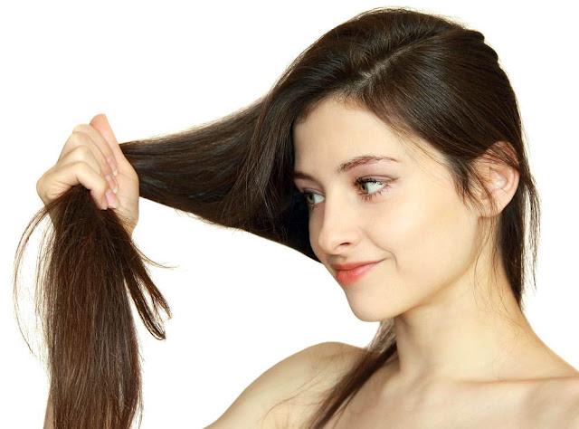 Cara Alami Meluruskan Rambut Tanpa Rebonding