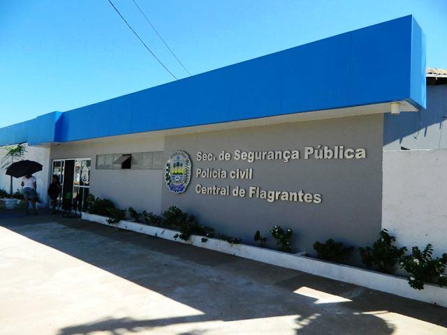 Travesti é preso suspeito de abusar três adolescentes em Picos