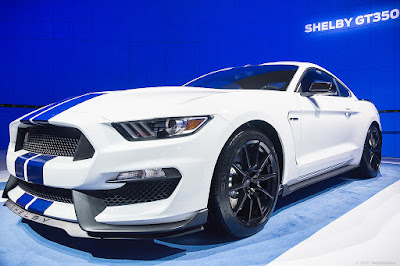 Ford Mustang image 2016