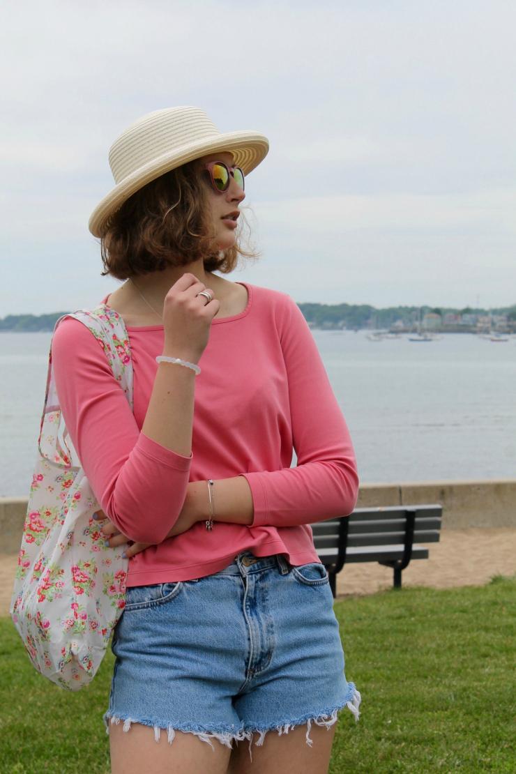 Vintage Ralph Lauren denim cutoffs, floral beach bag for a cute summer look