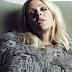 """Ellie Goulding lança música nova, """"Here's To Us"""", na trilha sonora de """"Girls"""""""