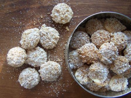 Biscottini friabili di pasta sfoglia e crumble