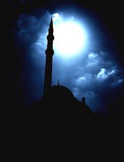 Kajian Al Hikam (135) : Introspeksi Ketika Mendapat Pujian