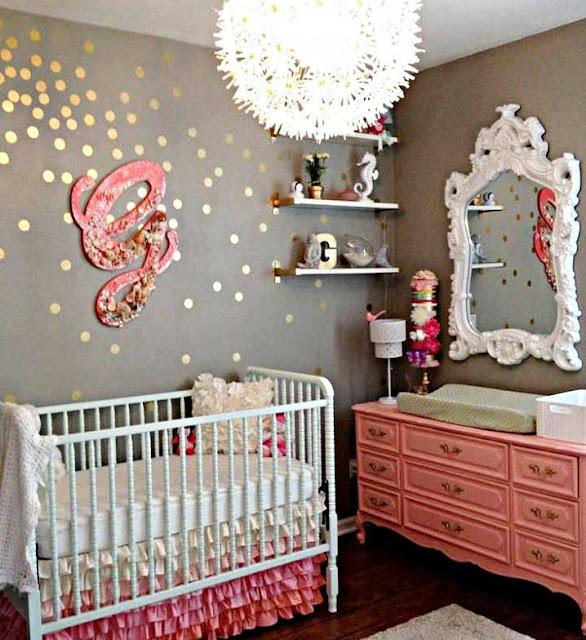 Desain Kamar Bayi Perempuan Sederhana