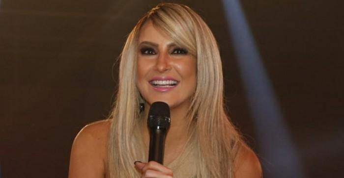 Novo cabelo Claudia Leitte 2014 Loiro Platinado