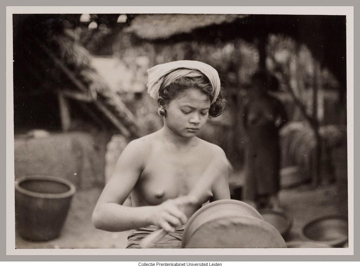 Kumpulan Koleksi Foto Tempoe Doeloe Gadis Bali Tahun 1910 Hingga 1930-an