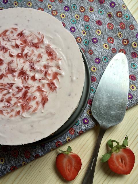 tarta mousse fresa-nata receta