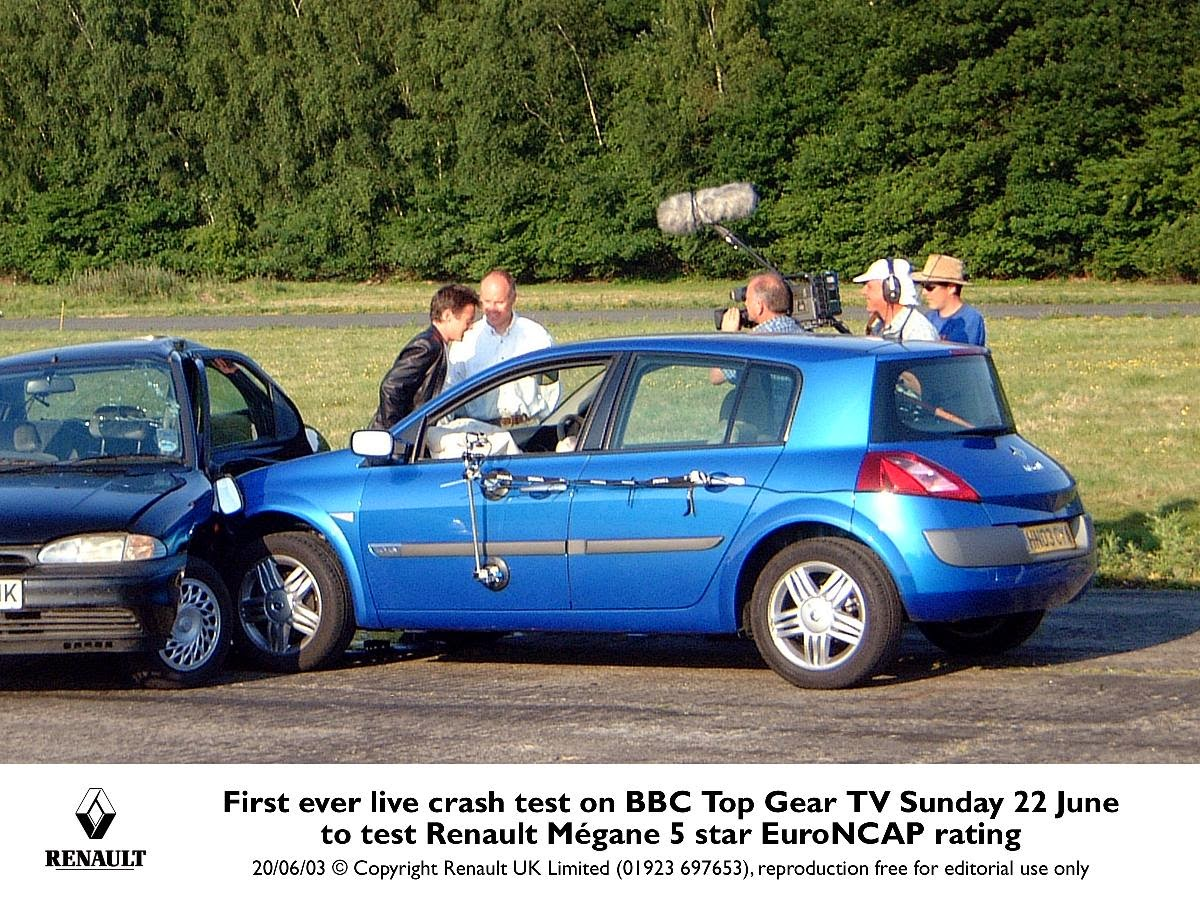 Top Gear crashing the Megane in 2003