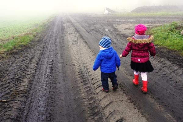 spacer we mgle, jesień, choroby, spacer w przeziębieniu