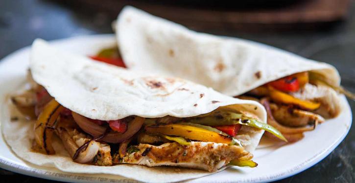 Chicken Fajitas Recipe Easy, Healthy and Delicious