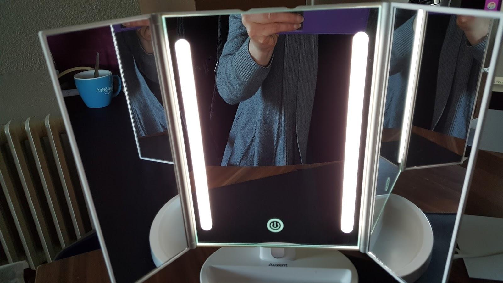 Mona's Blog: Auxent 3 Seiten Kosmetikspiegel Mit LED