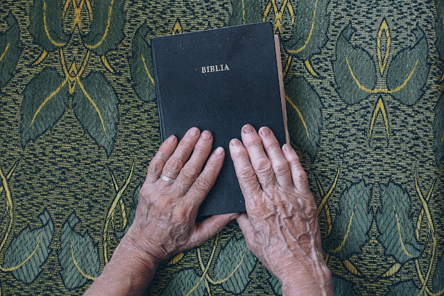 Bíblia - Estudo bíblico sobre viúvas