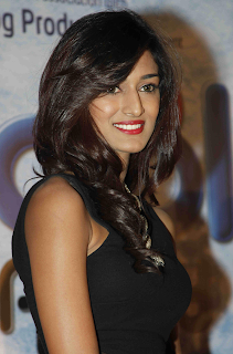 Beautiful Erica Fernandes Hd Wallpapers1.png