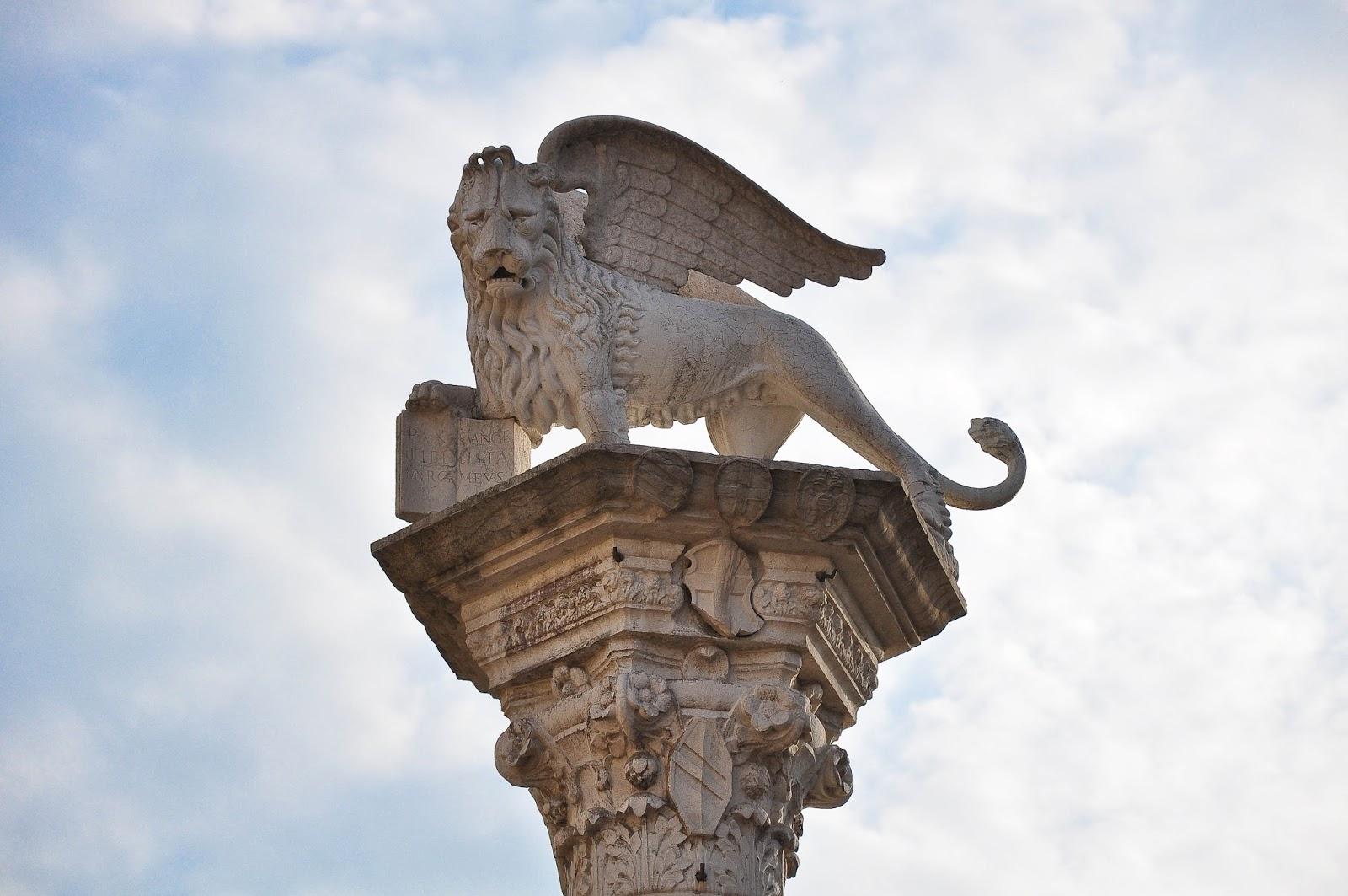 The Lion Pillar, Piazza dei Signori, Vicenza, Italy
