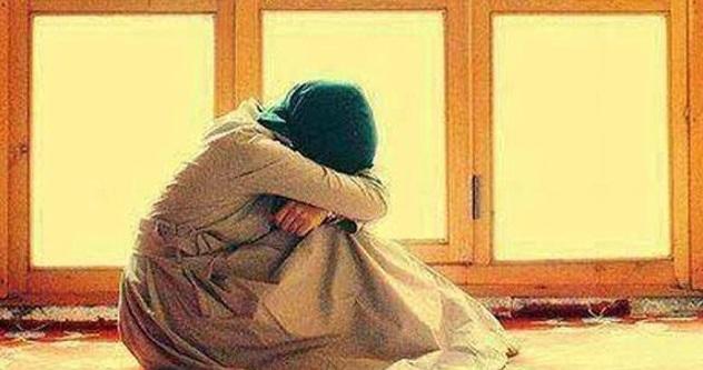 Seorang Isteri Sering Mengadu Penat Dan Keletihan Setiap Petang, Kerana Curiga Suaminya Pasang CCTV Di Rumah. Bila Si Suami Ini Lihat Dari Rakaman CCTV Sangat2 MENGEJUTKAN. SUBHANALLAH!!