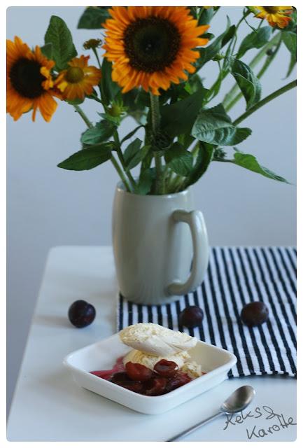 im Glas eingekochte Rotweinplaumen mit Zimt und Zitrone