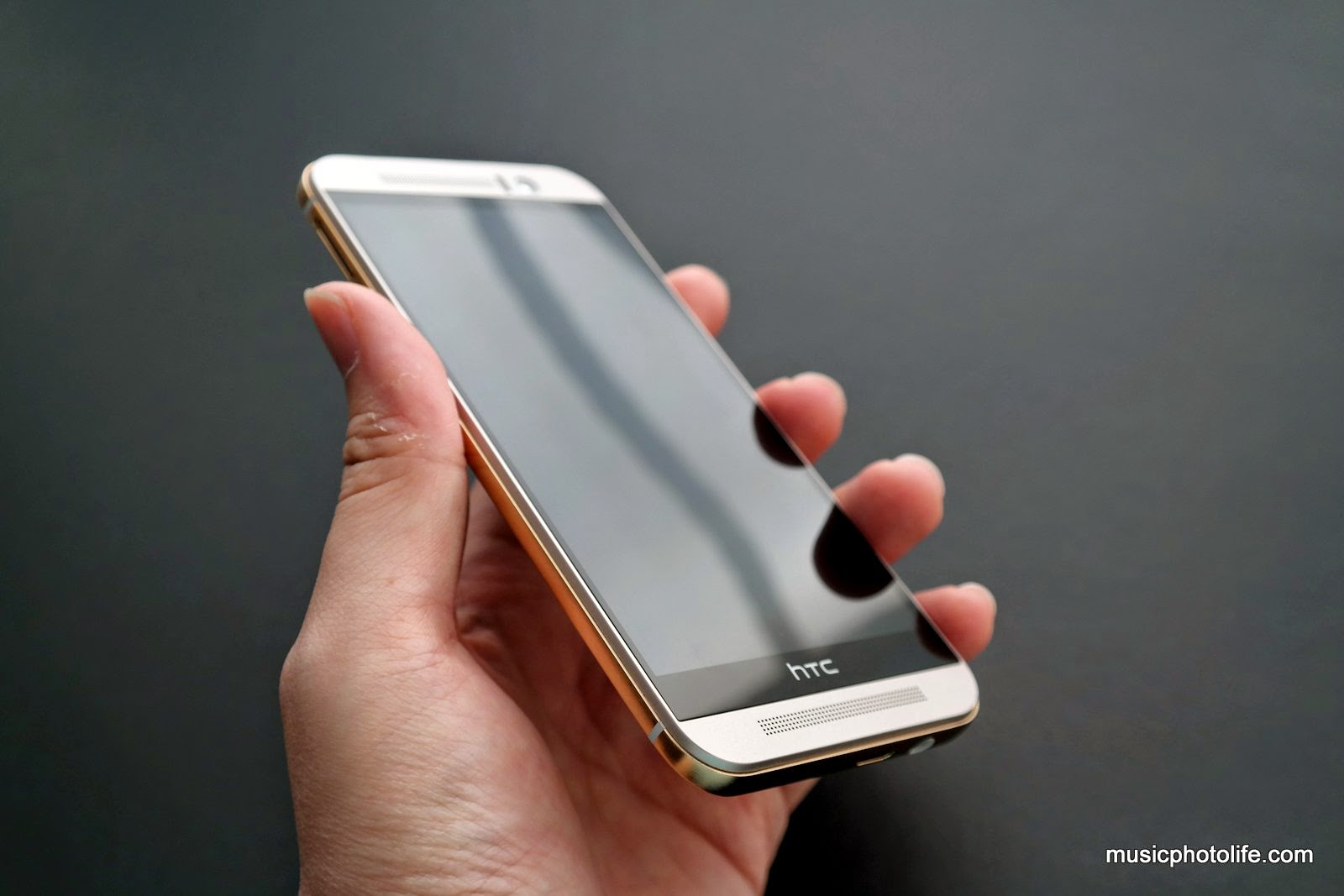 HTC One M9 Review - StarHub Community - 119037