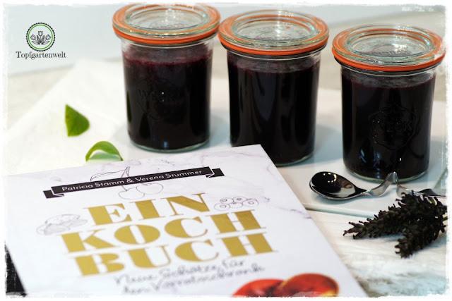 Heidelbeermarmelade mit Lavendel und Orangensaft aus das Einkochbuch - Foodblog Topfgartenwelt