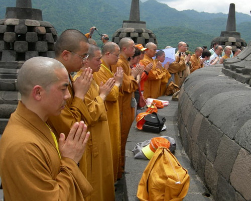 Tinuku.com Travel Vesak or Buddha Day is holiest day celebrations in sacred ceremonies in Mendut and Borobudur temple every May