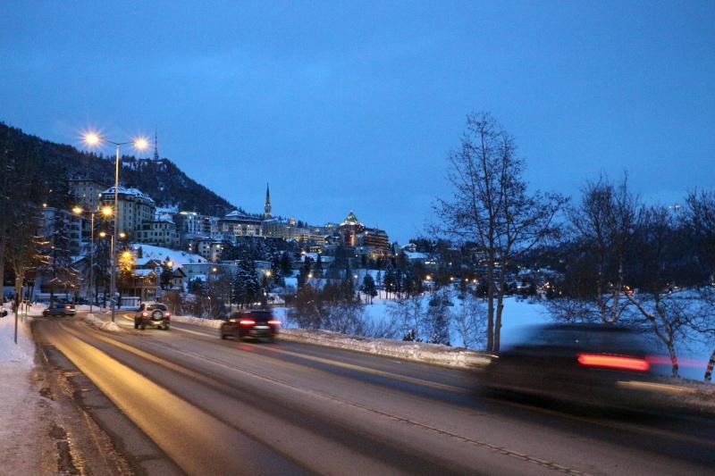 Die Einfahrt nach St. Moritz-Dorf