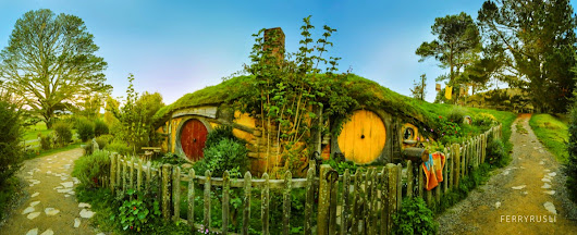 HOBBITON - Shire, Hobbit, LOTR, Frodo and Bilbo Baggins