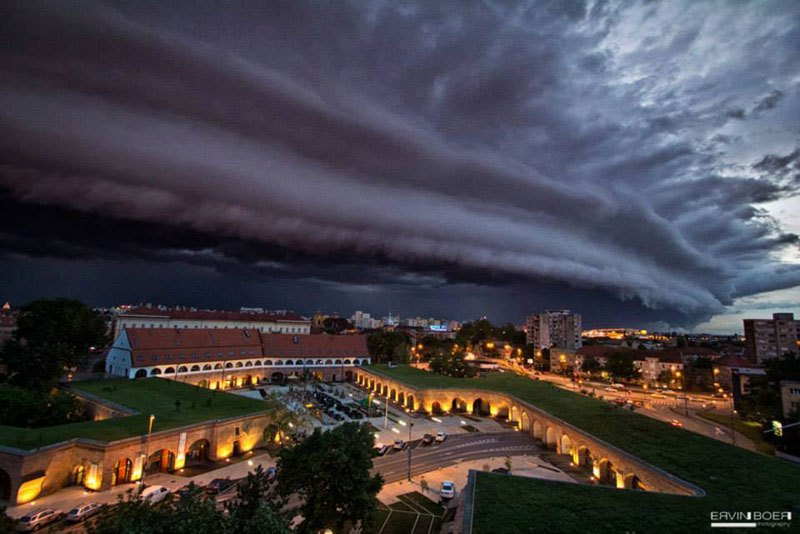 Shelf Cloud over Timisoara by ERVIN BOER