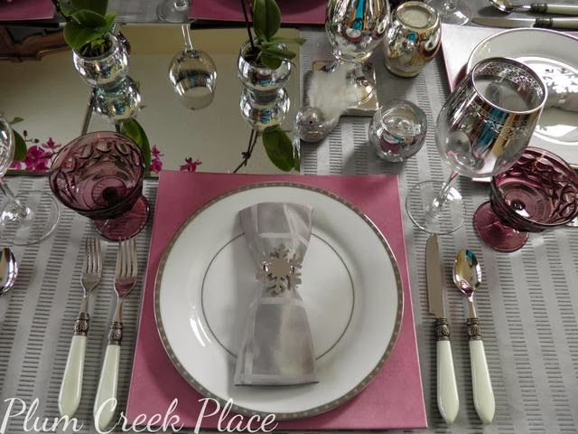 White and silver tablescape, Radiant Orchid