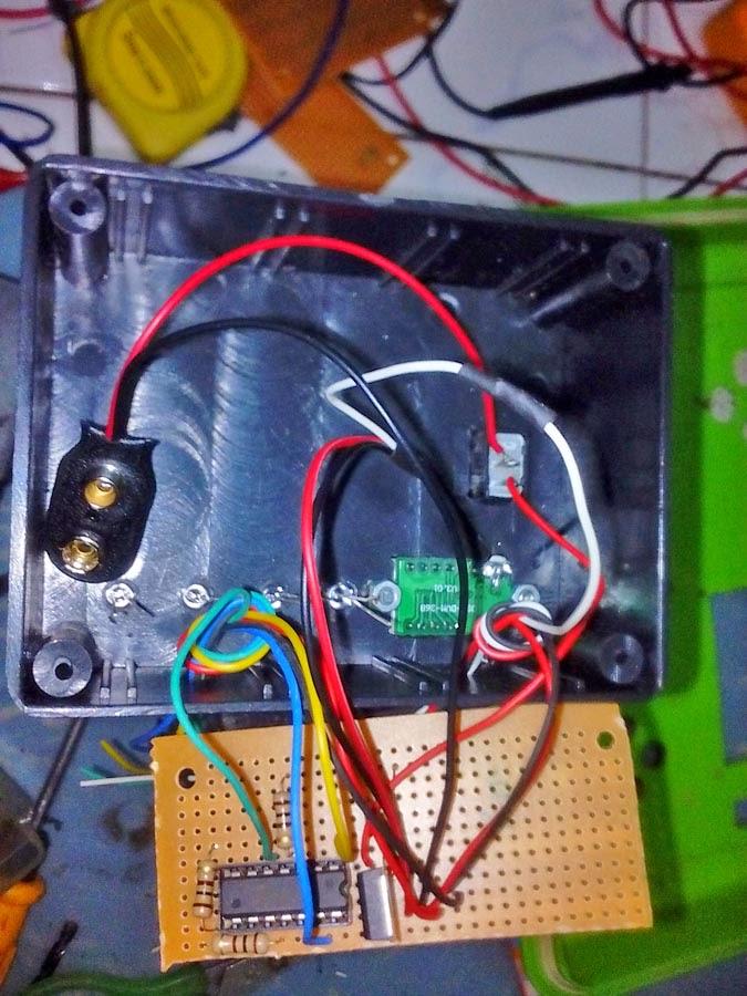 menyatukan sircuit board PCB ke BOX