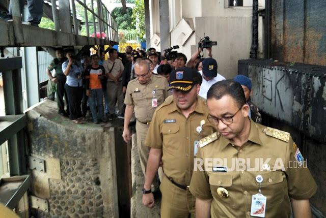 Anies Disarankan Koordinasi dengan Jokowi Untuk Atasi Masalah Banjir