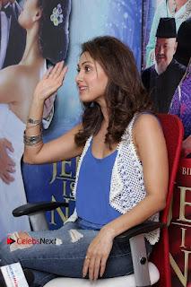 Bollywood Actress Manjari Phadnis Stills in Ripped Jeans at Film Jeena Isi Ka Naam Hai Interview  0007.jpg