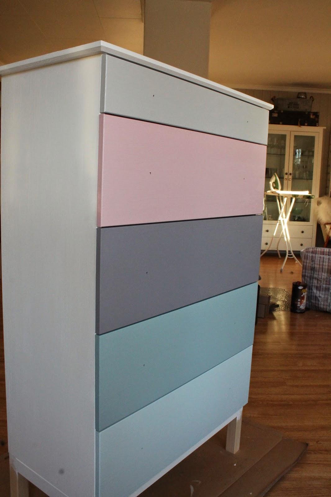 inspirasjon fra elin makeover tarva kommode fra ikea. Black Bedroom Furniture Sets. Home Design Ideas