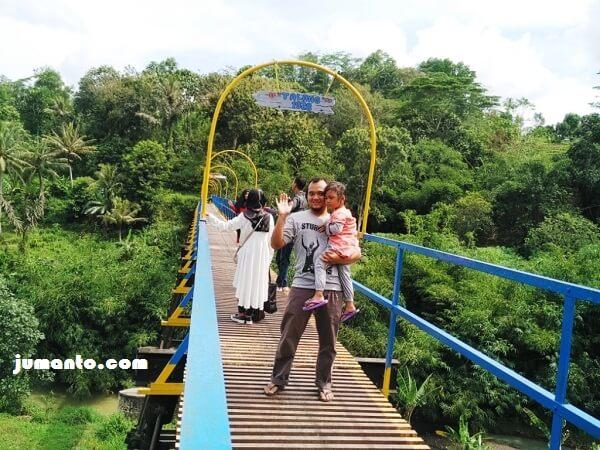 foto di atas jembatan talang air