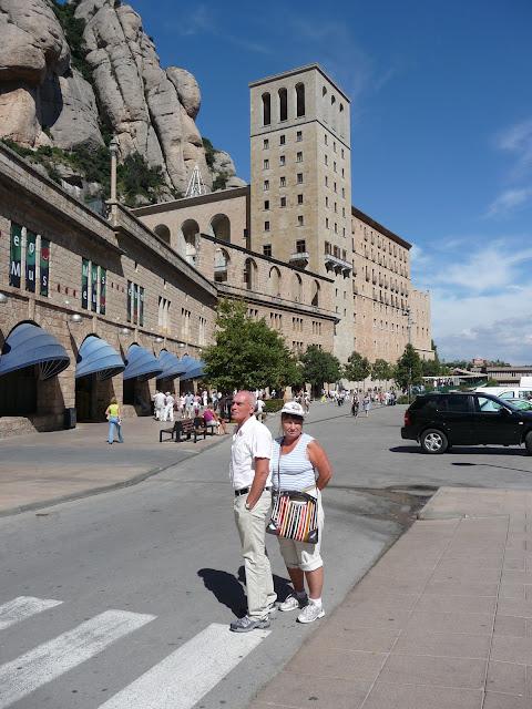 У монастыря Монсеррат