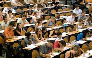 Ποιοι φοιτητές δικαιούνται 520 ευρώ το μήνα επί 4 χρόνια από το...